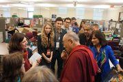 Его Святейшество Далай-лама беседует с сотрудниками и преподавателями университета Санта-Клары. Штат Калифорния, США. 24 февраля 2014 г. Фото: Джереми Рассел (офис ЕСДЛ)