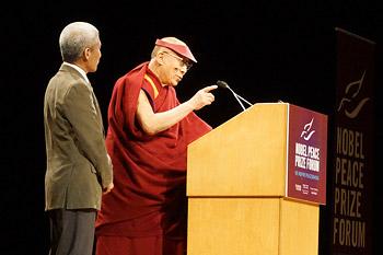 В Миннеаполисе Далай-лама провел беседы о вере, мире, правах человека и взаимопонимании