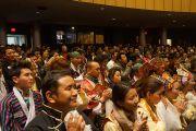 Его Святейшество Далай-лама встречается с представителями тибетской общины в аудитории Национального института здравоохранения США. Вашингтон, округ Колумбия, США. 7 марта 2014 г. Фото: Джереми Рассел (офис ЕСДЛ)