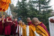 Его Святейшество Далай-ламу встречают в монастыре Джонанг Тактен Пхунцог Чолинг. Шимла, штат Химачал Прадеш, Индия. 18 марта 2014 г. Фото: Тензин Чойджор (офис ЕСДЛ)
