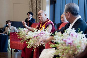 Далай-лама встретился с последователями синтоизма