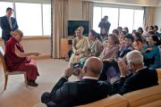 Его Святейшество Далай-лама на встрече с индийскими предпринимателями. Токио, Япония. 16 апреля 2014 г. Фото: Тибетский офис в Японии