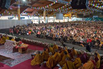 Далай-лама начал учения о мудрости и пустоте в Риге