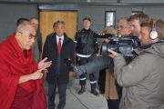 Его Святейшество Далай-лама отвечает на вопросы журналистов в Осло, Норвегия. 7 мая 2014 г. Фото: Дежерми Рассел (офис ЕСДЛ)