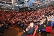 """На учения Его Святейшества Далай-ламы в театре """"Шатонеф"""" собрались более 1200 человек. Осло, Норвегия. 8 мая 2014 г. Фото: Duy Anh Pham"""