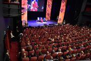 """Его Святейшество Далай-лама читает публичную лекцию """"Взращивание сострадания в повседневной жизни"""". Осло, Норвегия. 9 мая 2014 г. Фото: Jon Skille Amundsen"""