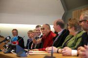 На встрече Его Святейшества Далай-ламы с парламентской группой по вопросам Тибета. Осло, Норвегия. 9 мая 2014 г. Фото: Duy Anh Pham