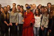 Его Святейшество Далай-лама на встрече со студентами в Нобелевском центре мира. Осло, Норвегия. 9 мая 2014 г. Фото: Джереми Рассел (офис ЕСДЛ)