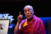 """Его Святейшество Далай-лама читает публичную лекцию """"Взращивание сострадания в повседневной жизни"""". Осло, Норвегия. 9 мая 2014 г. Фото: Оливер Адам"""