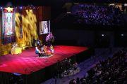 """Во время лекции Его Святейшества Далай-ламы """"Благополучие, мудрость и сострадание: светский подход"""" на спортивной арене """"Ахой"""". Роттердам, Голландия. 11 мая 2014 г. Фото: Jeppe Schilder"""