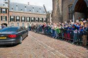 Его Святейшество Далай-лама покидает голландский парламент. Гаага, Голландия. 12 мая 2014 г. Фото: Jurjen Donkers