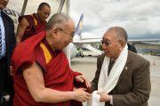 Дагьяб Ринпоче встречает Его Святейшество Далай-ламу в аэропорту Франкфурта. 13 мая 2014 г. Фото: Manuel Bauer