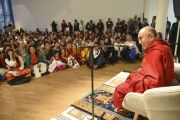 Его Святейшество Далай-лама встречается с тибетцами, живущими в Германии и сопредельных странах, в Музее современного искусства. Франкфурт, Германия. 15 мая 2014 г. Фото: Manuel Bauer