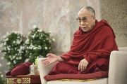 """Его Святейшество Далай-лама во время интерактивной встречи со студентами на тему """"Светская этика в нашем общем мире"""" в Паульскирхе (церкви Св. Павла). Франкфурт, Германия. 15 мая 2014 г. Фото: Manuel Bauer"""