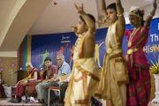 """Концерт учеников школы """"Сомая"""" в честь Его Святейшества Далай-ламы. Мумбаи, Индия. 31 мая 2014 г. Фото: Тензин Чойджор (офис ЕСДЛ)"""
