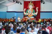 Его Святейшество Далай-лама дарует краткое учение по буддизму в институте ламы Цонкапы в Помае. Тоскана, Италия. 13 июня 2014 г. Фото: FilmPRO