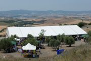 Вид на площадку для монастыря Лунгток Чойкорлинг в Помае. Тоскана, Италия. 13 июня 2014 г. Фото: FilmPRO