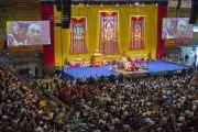 """Вид на сцену """"Форума Модильяни"""" во время учений Его Святейшества Далай-ламы. Ливорно, Италия. 15 июня 2014 г. Фото: FilmPRO."""