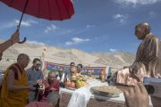 Его Святейшество Далай-лама в парке памяти Бакулы Ринпоче в Лехе. Ладак, штат Джамму и Кашмир, Индия. 29 июня 2014 г. Фото: Тензин Чойджор (офис ЕСДЛ)