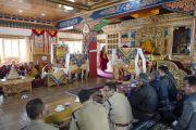 Его Святейшество Далай-лама в новом большом зале монастыря Ликир. Ладак, штат Джамму и Кашмир, Индия. 29 июня 2014 г. Фото: Тензин Чойджор (офис ЕСДЛ)