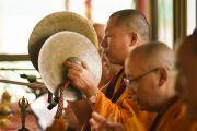 Монахи совершают подготовительные ритуалы в первый день учений Калачакры. Лех, Ладак, штат Джамму и Кашмир, Индия. 3 июля 2014 г. Фото: Мануэль Бауэр