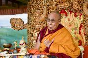 Его Святейшество Далай-лама дает краткое учение для избранных учеников в первый день учений Калачакры. Лех, Ладак, штат Джамму и Кашмир, Индия. 3 июля 2014 г. Фото: Мануэль Бауэр