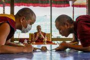Монахи монастыря Намгьял начали строительсто мандалы Калачакры. Лех, Ладак, штат Джамму и Кашмир, Индия. 5 июля 2014 г. Фото: Манэль Бауэр.