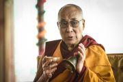 Его Святейшество Далай-лама проводит ритуалы освящения и подготовки пространства для посвящения Калачакры. Лех, Ладак, штат Джамму и Кашмир, Индия. 5 июля 2014 г. Фото: Манэль Бауэр.