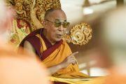 Его Святейшество Далай-лама дарует предварительные учения для посвящения Калачакры. Лех, Ладак, штат Джамму и Кашмир, Индия. 7 июля 2014 г. Фото: Мануэль Бауэр.