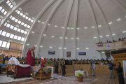 Его Святейшество Далай-лама выступает в ладакском автономном горном совете по развитию. Лех, Ладак, штат Джамму и Кашмир, Индия. 15 июля 2014 г. Фото: Тензин Чойджор (офис ЕСДЛ).