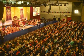 Далай-лама даровал в Гамбурге учения по поэме «Путь бодхисаттвы»