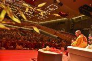 Его Святейшество Далай-лама на встрече с тибетцами, живущими в Германии и других странах Европы. Гамбург, Германия. 24 августа 2014 г. Фото: Мануэль Бауэр.