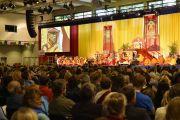 Вид на сцену конгресс-центра, где проходили учений Его Святейшества Далай-ламы. Гамбург, Германия. 25 августа 2014 г. Фото: Мануэль Бауэр.
