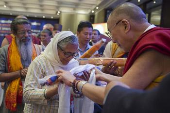 В Индии по инициативе Далай-ламы началась двухдневная межконфессиональная конференция