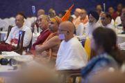 На первой пленарной сессии в первый день двухдневной межрелигиозной встречи, проходящей по инициативе Его Святейшества Далай-ламы. Дели, Индия. 20 сентября 2014 г. Фото: Тензин Чойджор (офис ЕСДЛ)