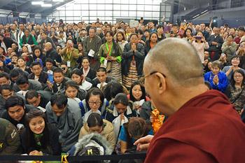 В Ванкувере Далай-лама провел учения по сочинению «Восемь строф о преобразовании ума» и даровал посвящение Авалокитешвары
