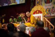 Его Святейшество Далай-лама дарует посвящение Авалокитешвары. Ванкувер, Канада. 23 октября 2014 г. Фото: Джереми Рассел (офис ЕСДЛ)