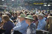 "Слушатели на лекции Его Святейшества Далай-ламы ""Светская этика в наши дни"" на стадионе ""Риджентс Филд"". 26 октября 2014 г. США, Бирмингем, штат Алабама. Фото: Лиза Коул"