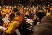 В зале бостонского центра исполнительских искусств во время учений Его Святейшества Далай-ламы. 30 октября 2014 г. Бостон, штат Массачусетс, США. Фото: Джереми Рассел (офис ЕСДЛ)