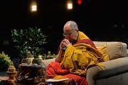 Его Святейшество Далай-лама выполняет подготовительные ритуалы для проведения посвящения Авалокитешвары. США, Нью-Йорк. 2 ноября 2014 г. Фото: Сонам Зоксанг
