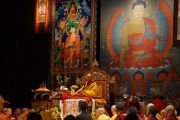 Его Святейшество Далай-лама во время учений в Манхэттен-центре. США, Нью-Йорк. 2 ноября 2014 г. Фото: Джереми Рассел (офис ЕСДЛ)