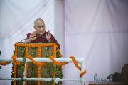 """Его Святейшество Далай-лама во время лекции """"Новый подход к миру во всем мире"""" в университете им. Джавахарлала Неру. Дели, Индия. 20 ноября 2014 г. Фото: Тензин Чойджор (офис ЕСДЛ)"""