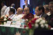 Его Святейшество Далай-лама на открытии 1-го Всемирного индуистского конгресса. Дели, Индия. 21 ноября 2014 г. Фото: Тензин Чойджор (офис ЕСДЛ)