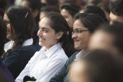 Ученики школы Спрингдейлз слушают Его Святейшество Далай-ламу. Дели, Индия. 22 ноября 2014 г. Фото: Тензин Чойджор (офис ЕСДЛ)