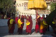 В тантрическом университете Гьюто монахи ожидают прибытия Его Святейшества Далай-ламы. Сидхбари, штат Химачал-Прадеш, Индия. 29 ноября 2014 г. Фото: Тензин Чойджор (офис ЕСДЛ)