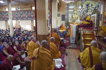 Далай-лама начал учения по «Большому руководству к этапам пути к Пробуждению» по просьбе монгольских буддистов