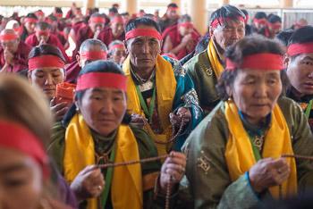 Учения Далай-ламы для монгольских буддистов завершились посвящением Авалокитешвары Джинасагары