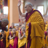 Прямая трансляция. Учения Его Святейшества Далай-ламы по 18 коренным текстам и комментариям традиции Ламрим
