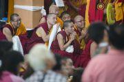 22 декабря 2014 года Его Святейшество Далай-лама прибыл в монастырь Ганден Джанце, где с 23 по 29 декабря он продолжит даровать учения по восемнадцати коренным текстам и комментариям традиции Ламрим. Мундгод, Индия. Фото: Тензин Чойджор (офис ЕСДЛ)