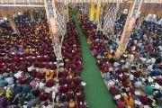 Вид на храм в монастыре Ганден Джангце в пятый день учений Его Святейшества Далай-ламы по 18 коренным текстам и комментариям традиции Ламрим. Мундгод, Индия. 27 декабря 2014 г. Фото: Тензин Чойджор (офис ЕСДЛ)